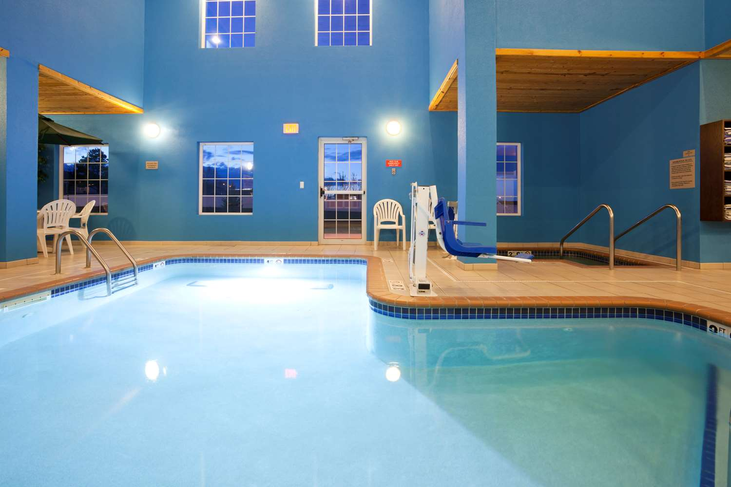 Pool - Grandstay Residential Suites Rapid City