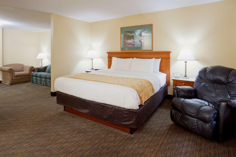Suite - GrandStay Hotel & Suites Waseca