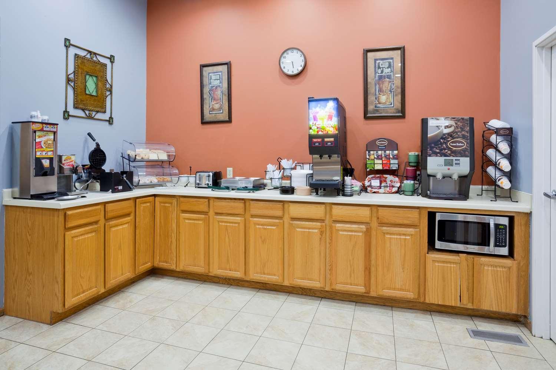 Restaurant - GrandStay Hotel & Suites Waseca