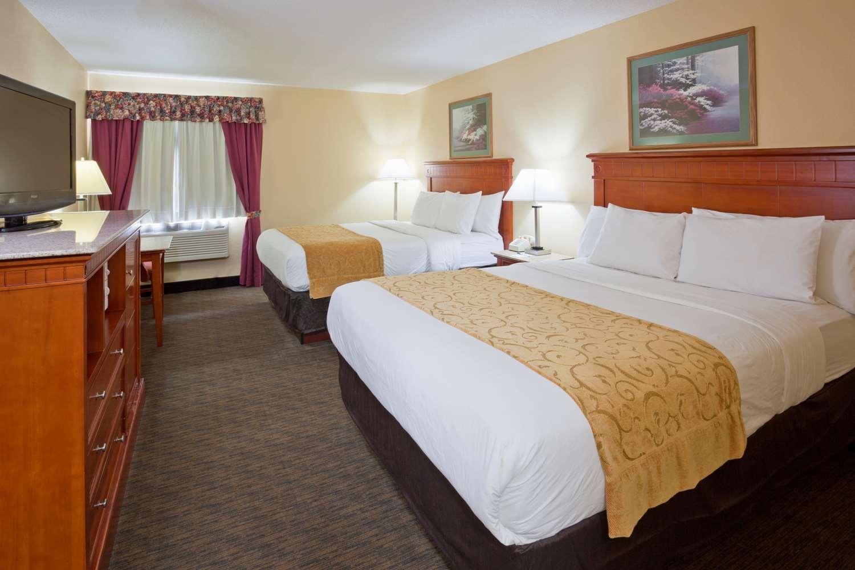 Room - GrandStay Hotel & Suites Waseca