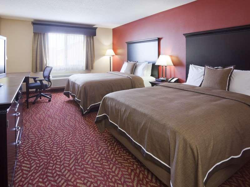 Room - GrandStay Hotel & Suites Cambridge