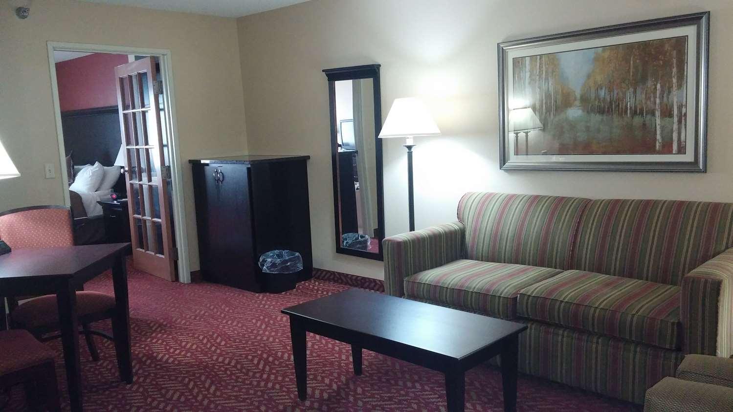 Suite - GrandStay Hotel & Suites Cambridge