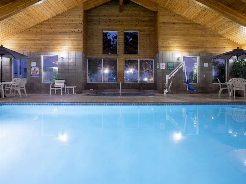 Pool - GrandStay Hotel & Suites Cambridge