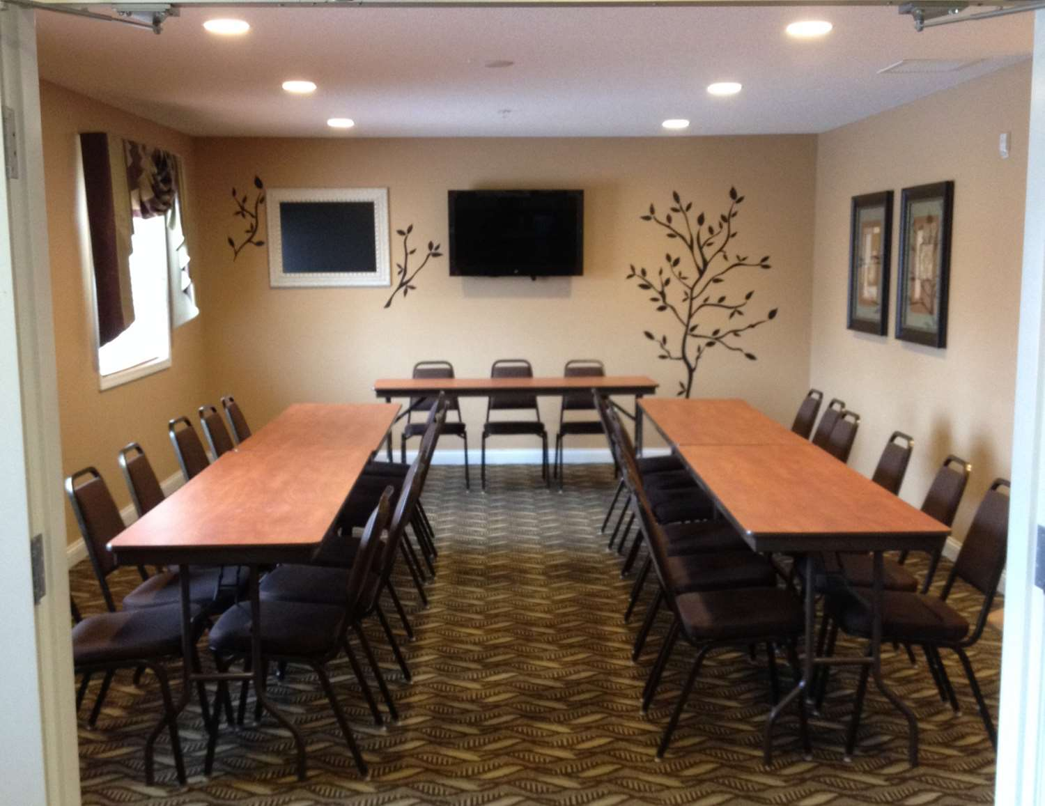 Meeting Facilities - Grandstay Hotel & Suites Pipestone