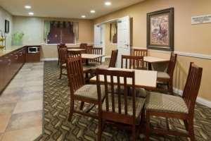 Restaurant - Grandstay Hotel & Suites Pipestone