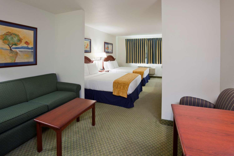 Suite - GrandStay Hotel & Suites Becker