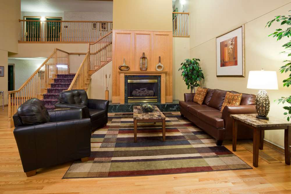 Lobby - GrandStay Hotel & Suites Stillwater