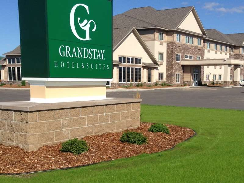 Exterior view - GrandStay Hotel & Suites Thief River Falls