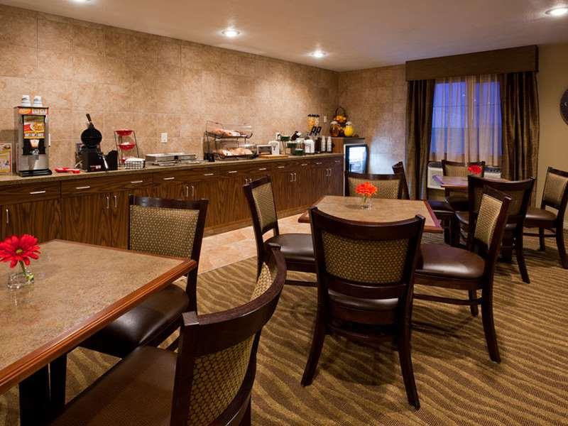 Restaurant - GrandStay Hotel & Suites Luverne