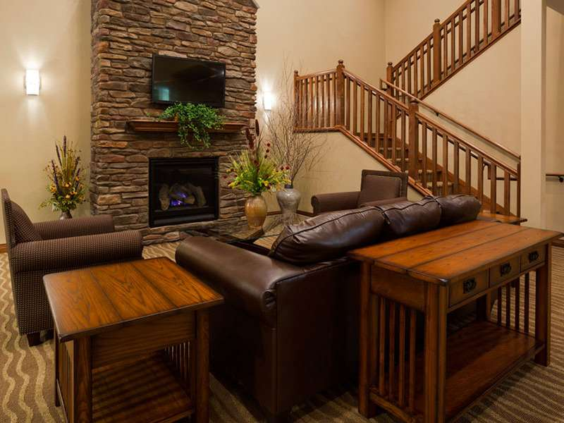 Lobby - GrandStay Hotel & Suites Luverne