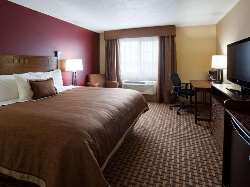 Room - GrandStay Hotel & Suites Luverne