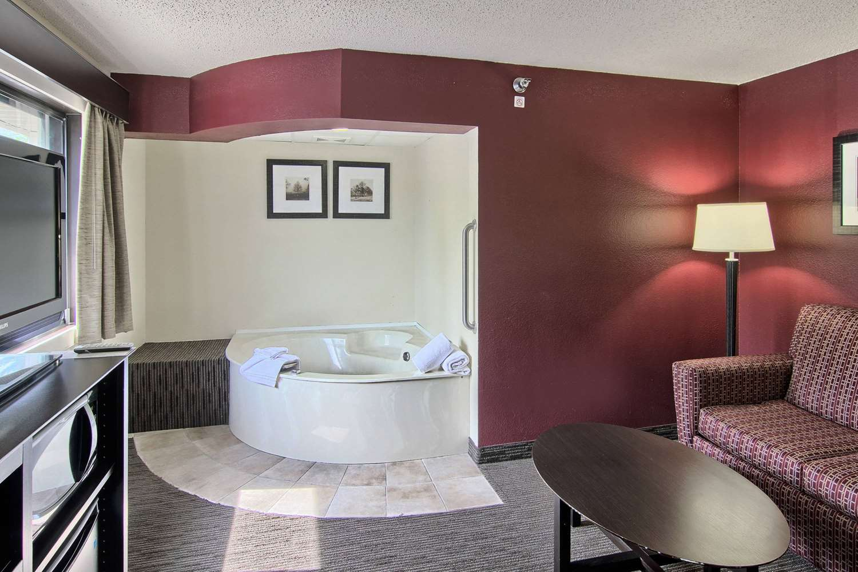 Amenities - GrandStay Hotel & Suites Traverse City