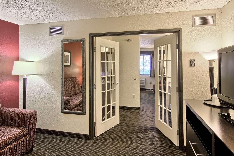 Suite - GrandStay Hotel & Suites Traverse City
