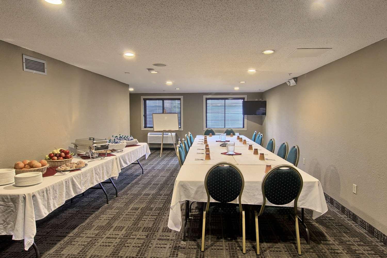Meeting Facilities - GrandStay Hotel & Suites Traverse City
