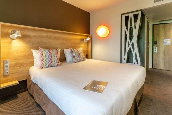 Hotel CAMPANILE LAVAL NORD