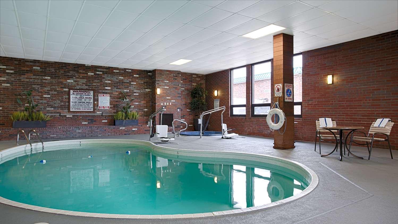 Pool - SureStay Hotel by Best Western McPherson