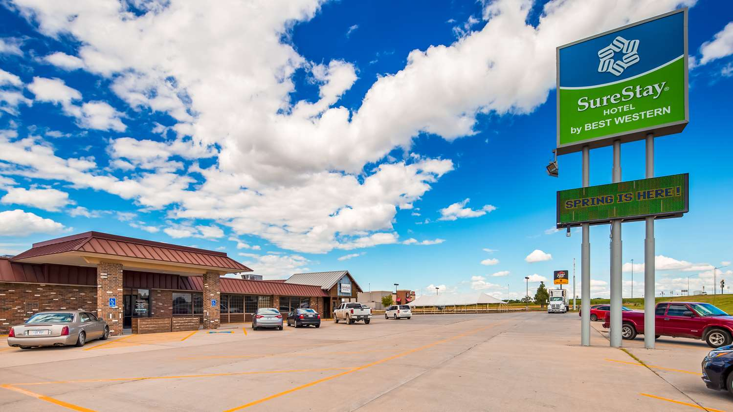 Exterior view - SureStay Hotel by Best Western McPherson