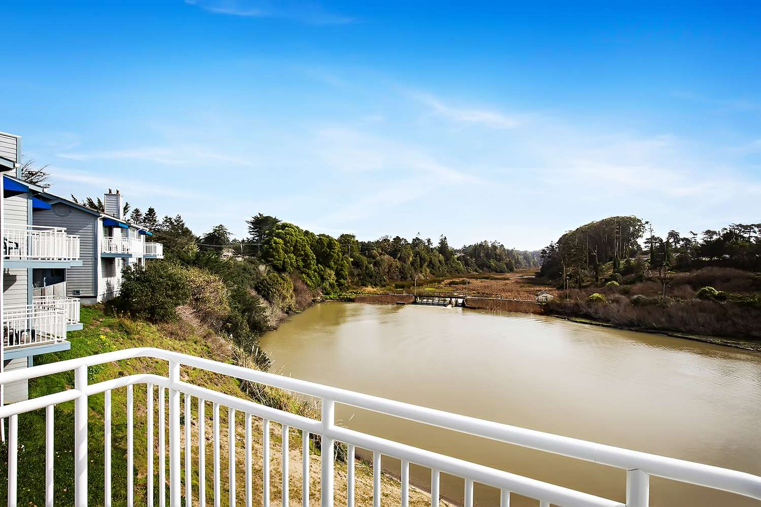 Amenities - Beach House Inn on Pudding Creek Fort Bragg