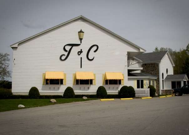 Exterior view - Town & Country Motor Inn Gorham