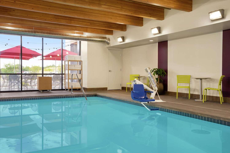 Pool - Home2 Suites by Hilton Elko