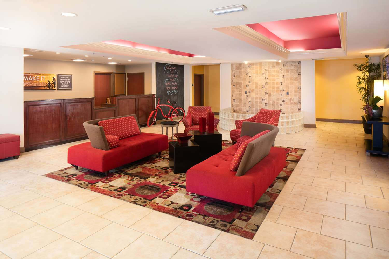 Lobby - Red Lion Inn & Suites Saraland