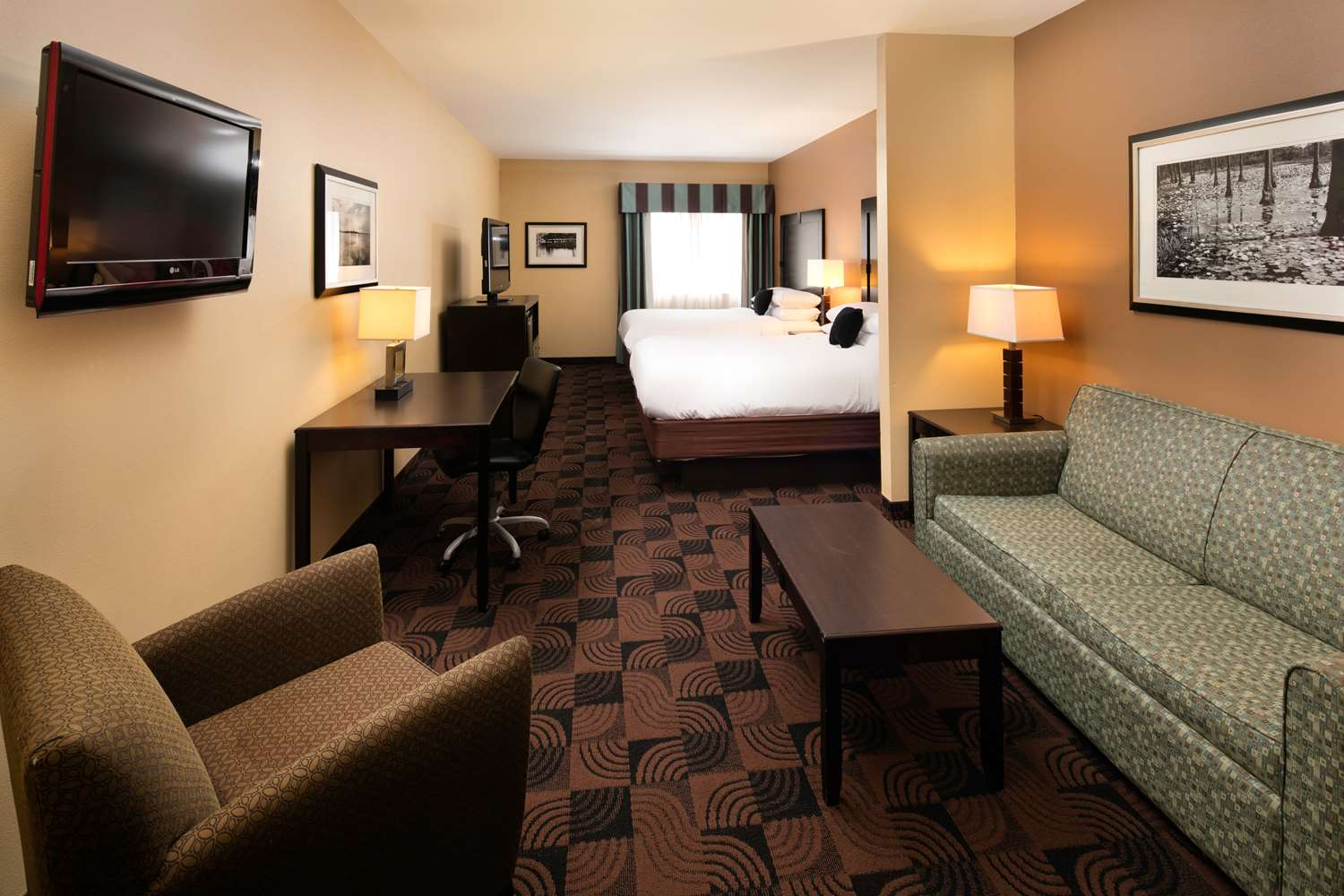 Suite - Red Lion Inn & Suites Saraland