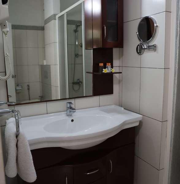 Hotel GOLDEN TULIP GRANDE COMORE MORONI RESORT AND SPA - Deluxe Room 2 single Beds Sea View