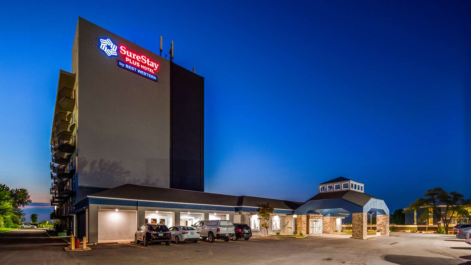 Exterior view - Surestay Plus Hotel by Best Western Kansas City