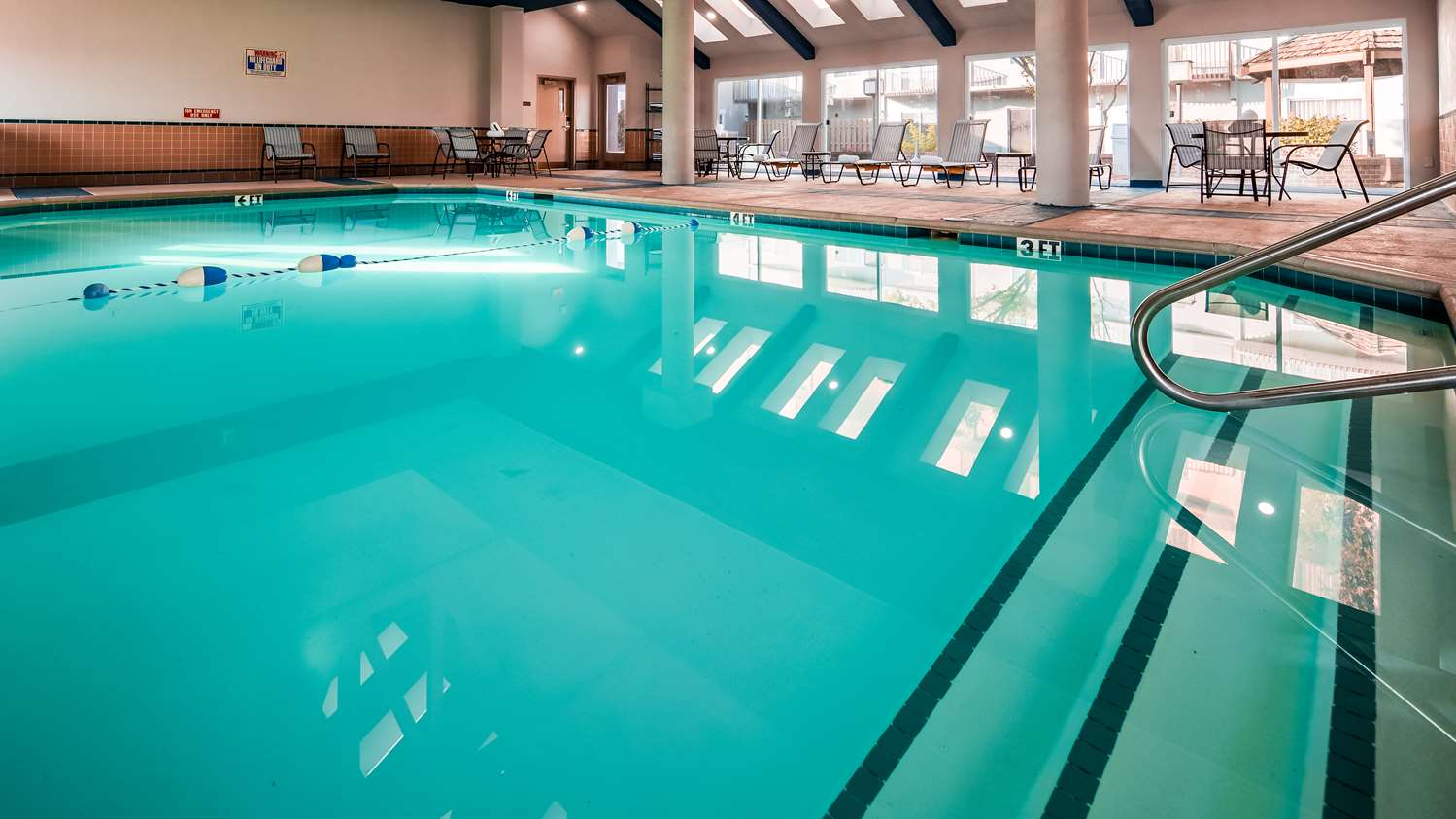 Pool - Surestay Plus Hotel by Best Western Kansas City