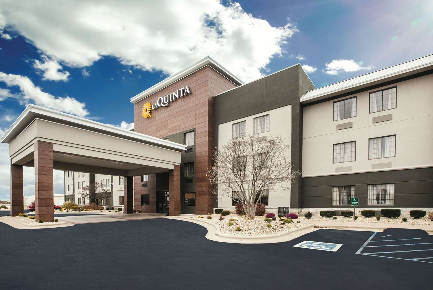 Exterior view - La Quinta Inn & Suites Kokomo