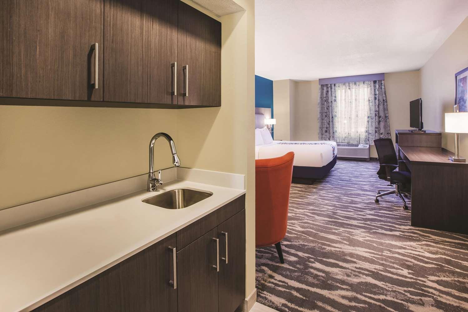 Room - La Quinta Inn & Suites Kokomo