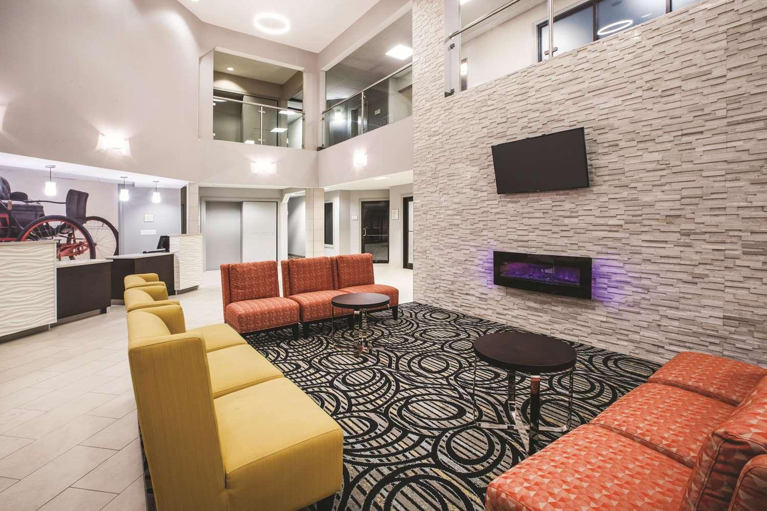 Lobby - La Quinta Inn & Suites Kokomo