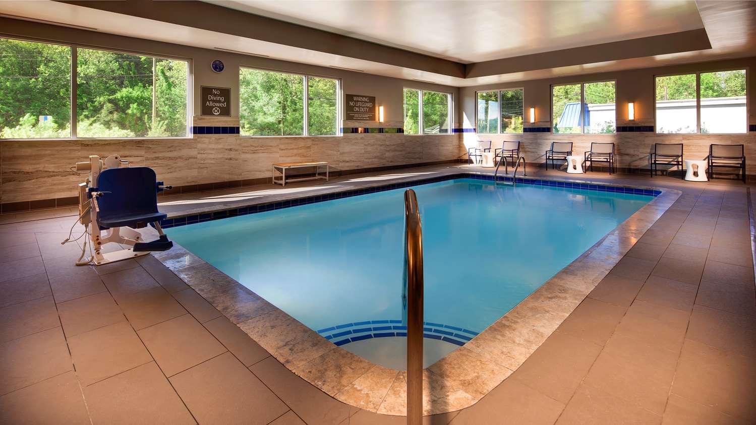 Pool - GLo Best Western Asheville Hotel