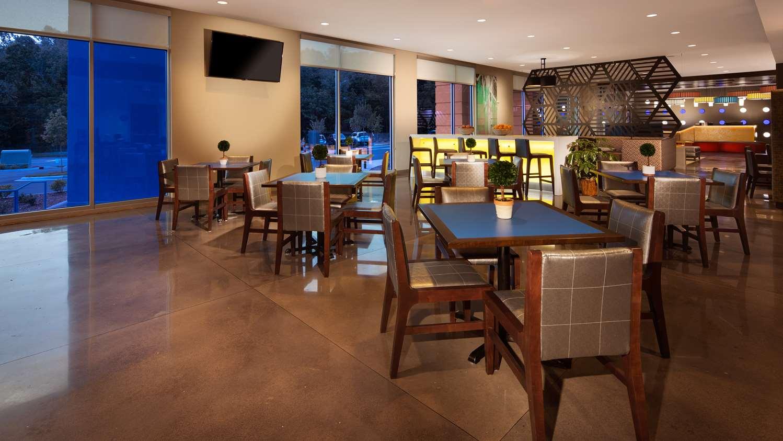 Restaurant - GLo Best Western Asheville Hotel