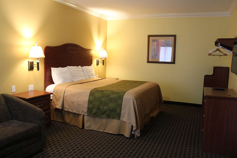 Hotels Near Csudh
