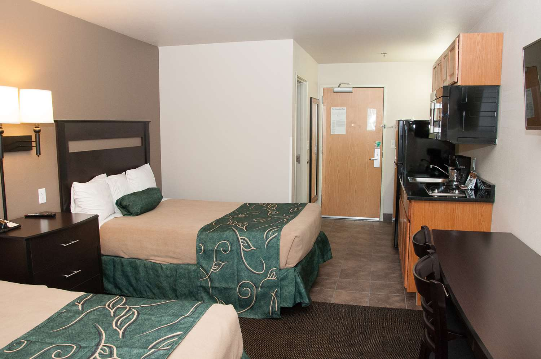 Room - Baymont Inn & Suites Elko