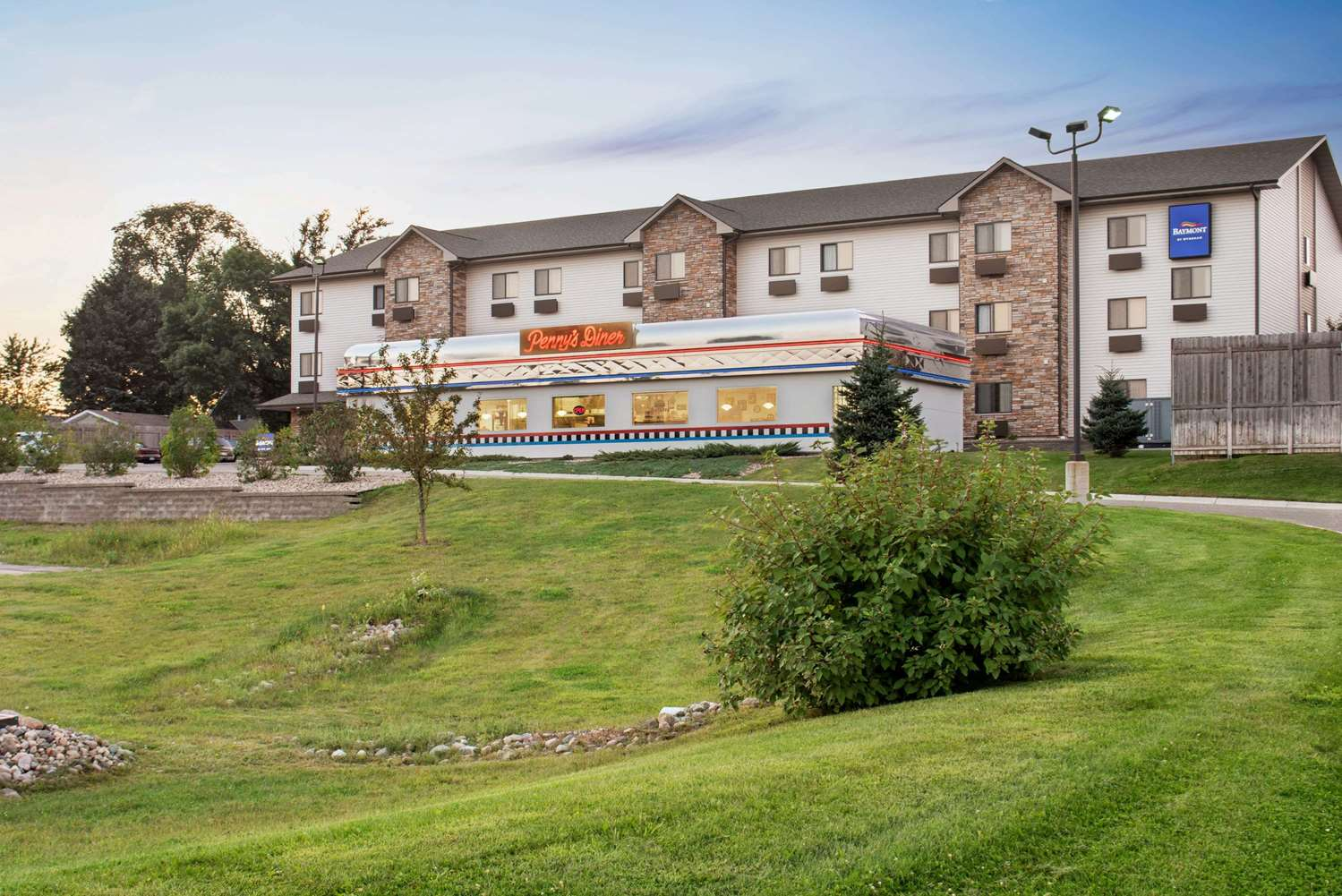Exterior view - Baymont Inn & Suites Glenwood