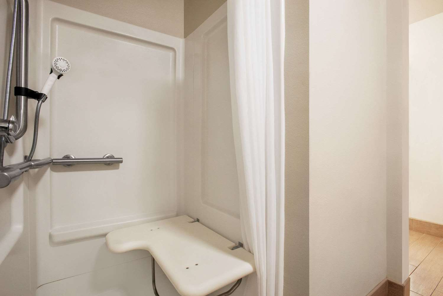 Room - Baymont Inn & Suites Glenwood