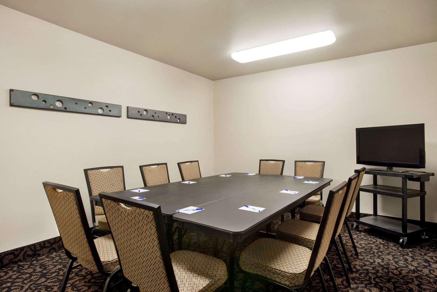 Meeting Facilities - Baymont Inn & Suites Glenwood