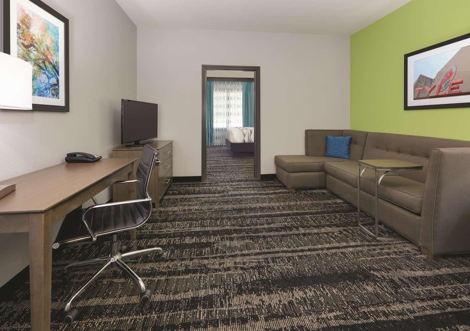 Suite - La Quinta Inn & Suites South Tyler