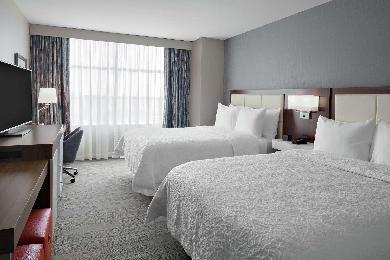 Room - Hampton Inn McCormick Place Chicago
