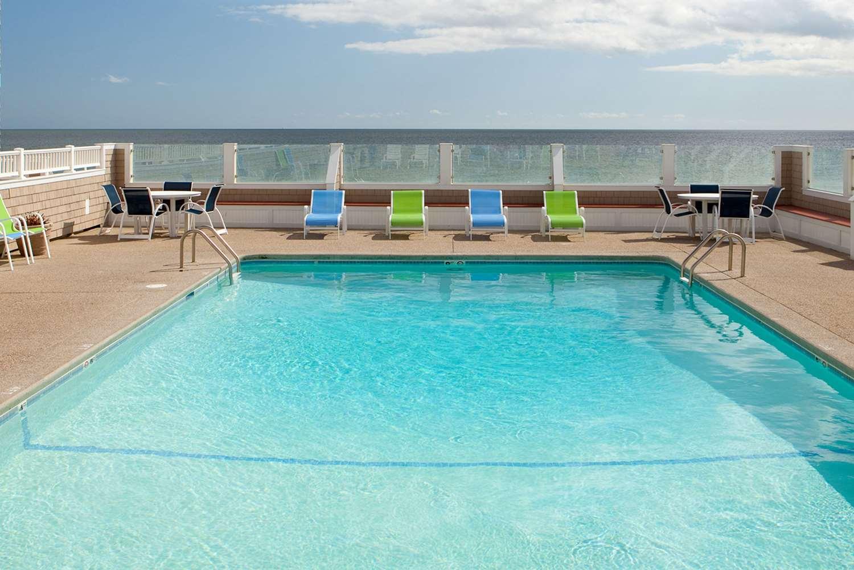 Pool - Bluegreen Vacations The Breakers Ocean View Resort Dennis Port