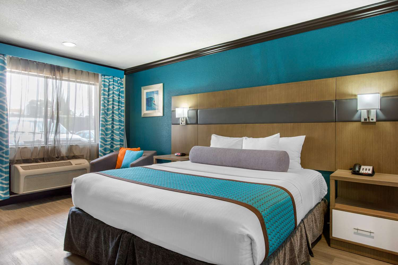 Room - BLVD Hotel Express Costa Mesa