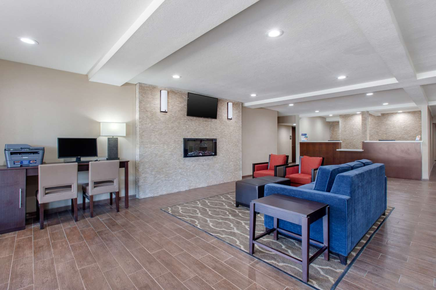 Lobby - Comfort Inn & Suites Lakeside