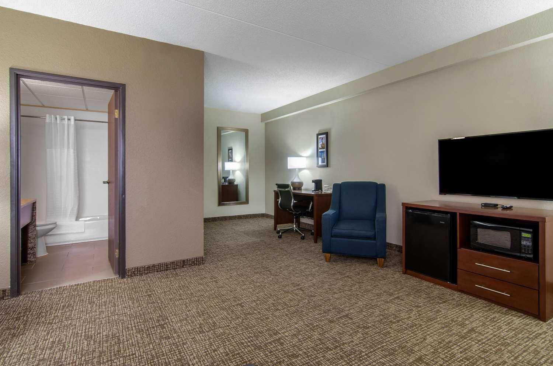 Suite - Comfort Inn & Suites Wichita