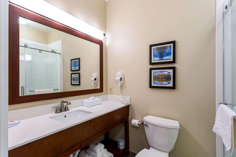 Room - Comfort Inn & Suites Airport Baton Rouge