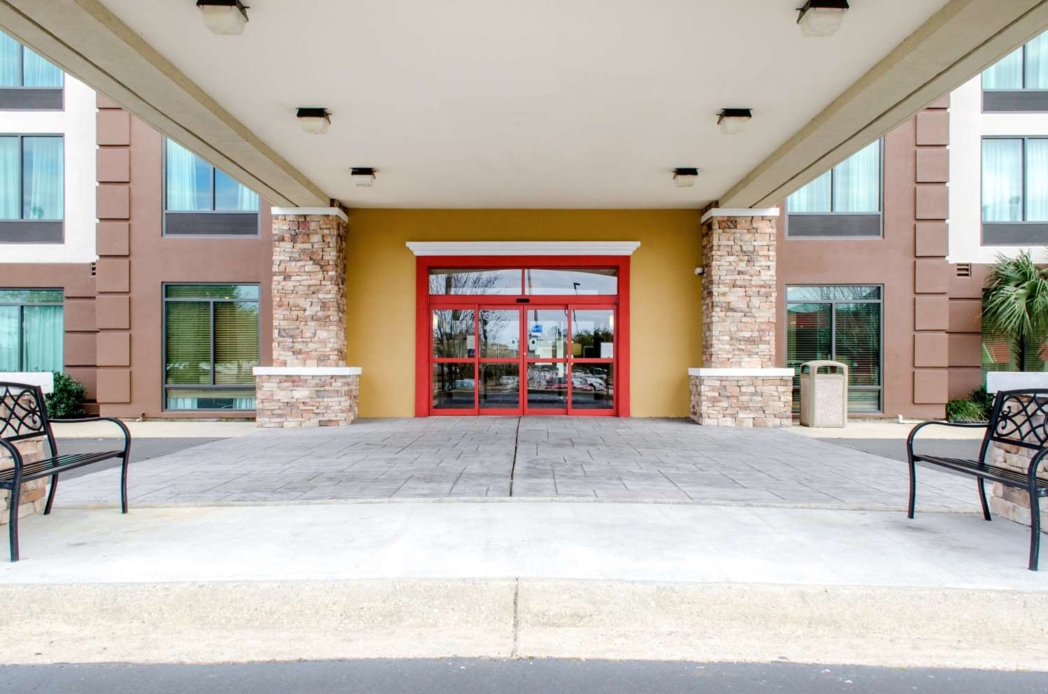 Exterior view - Comfort Inn & Suites D'Iberville