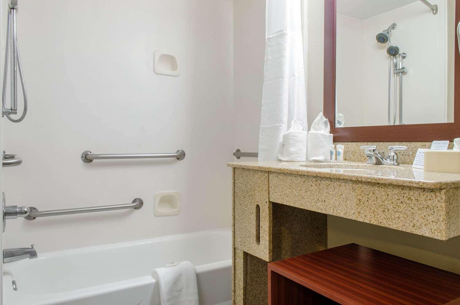 Room - Comfort Inn & Suites D'Iberville
