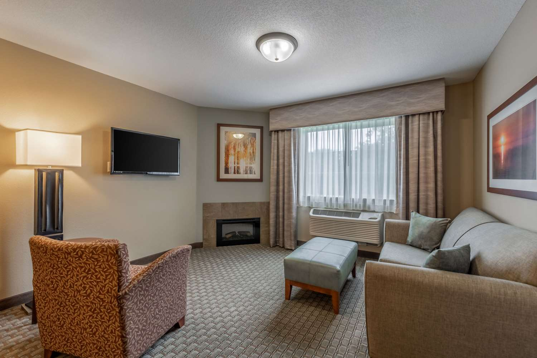 Suite - Comfort Inn & Suites Chisago