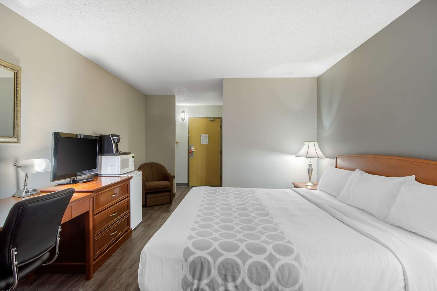Room - Econo Lodge Regina